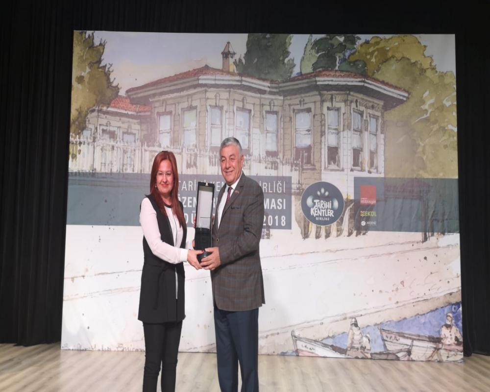 75. Yıl Sanat Galerisi Projesi ödül aldı.